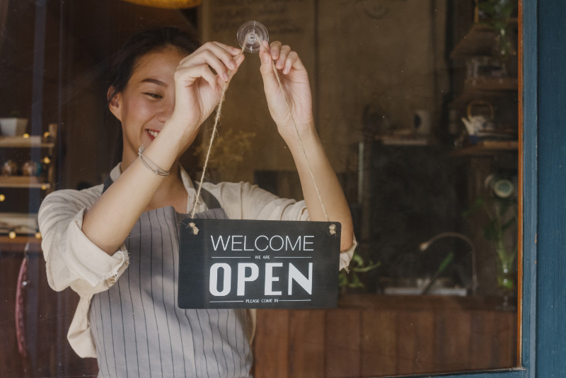 """bordje """"Welcome, we're open"""""""